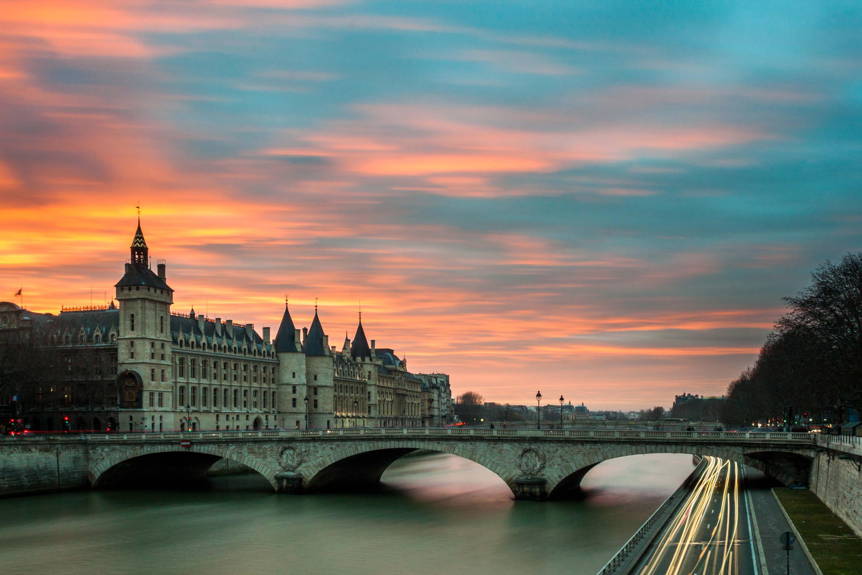destinations-soleil-en-ete-paris.jpg